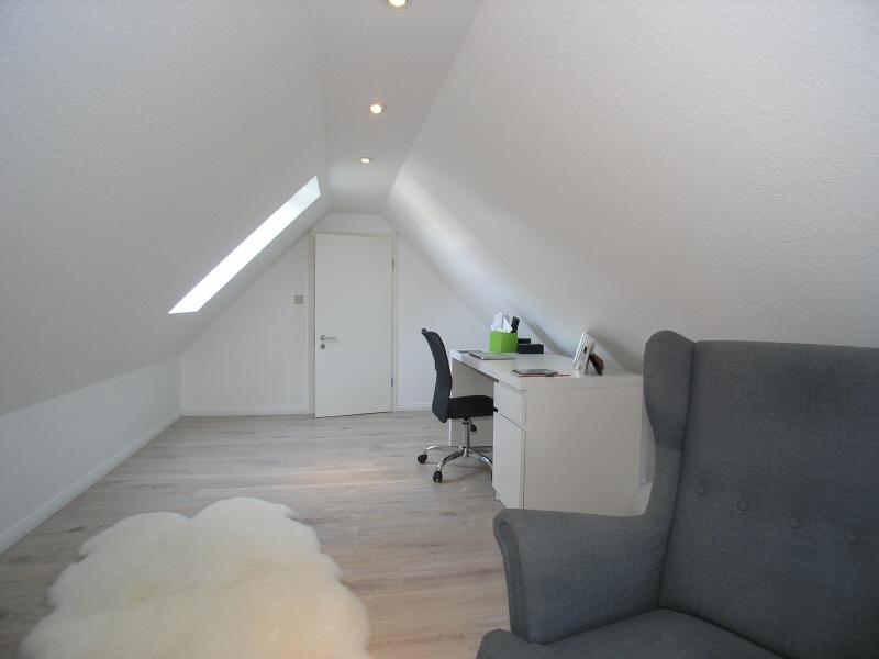 Zimmer im Dachgeschoss Bild 2
