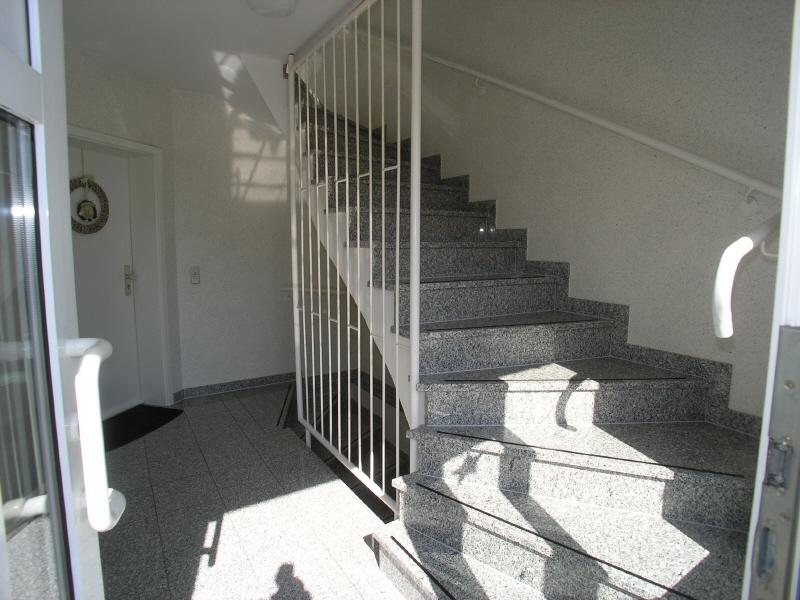 Helles und einladendes Treppenhaus