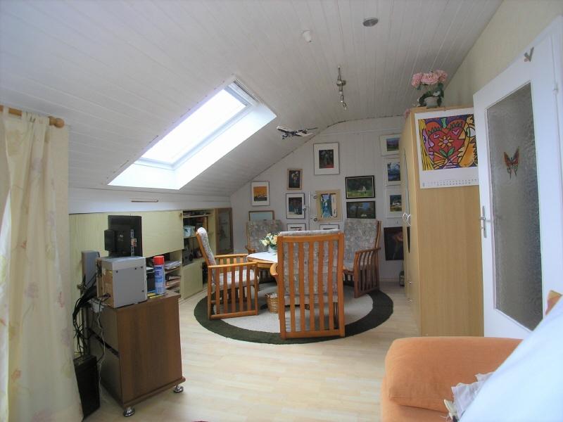 Zimmer im Dachgeschoss Bild 1