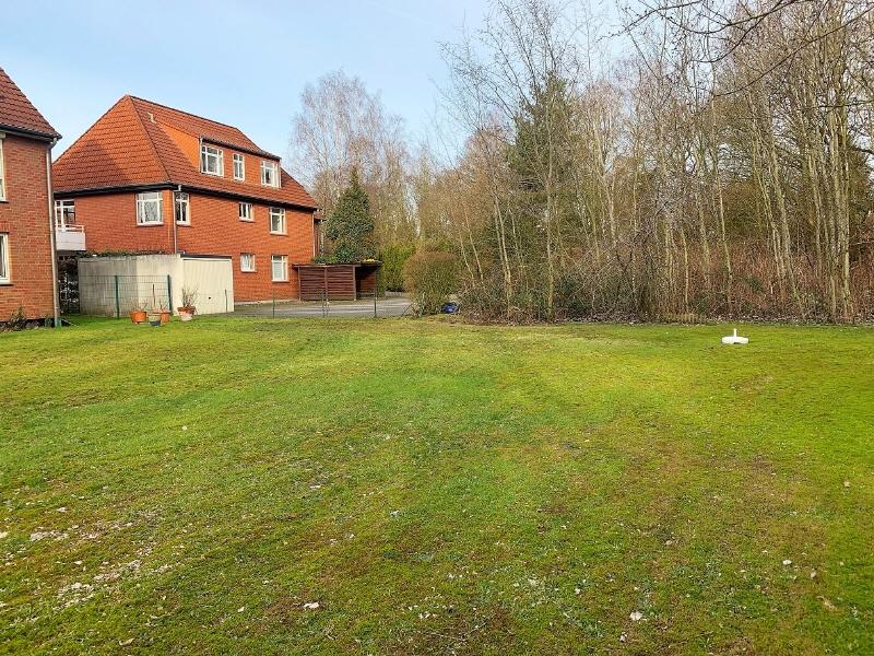 Grünfläche vor dem Haus