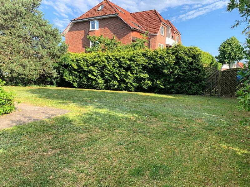 Gartenbereich hinter dem Haus