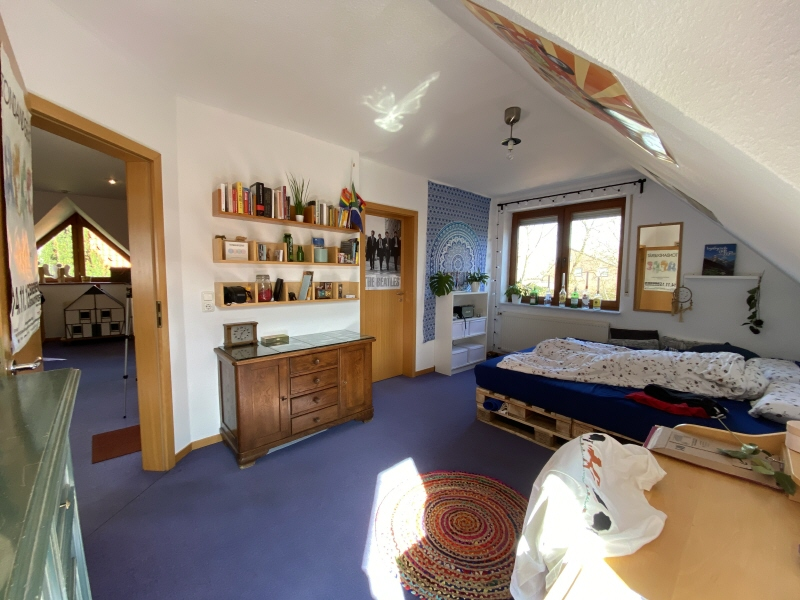 Großes Schlafzimmer Bild 2