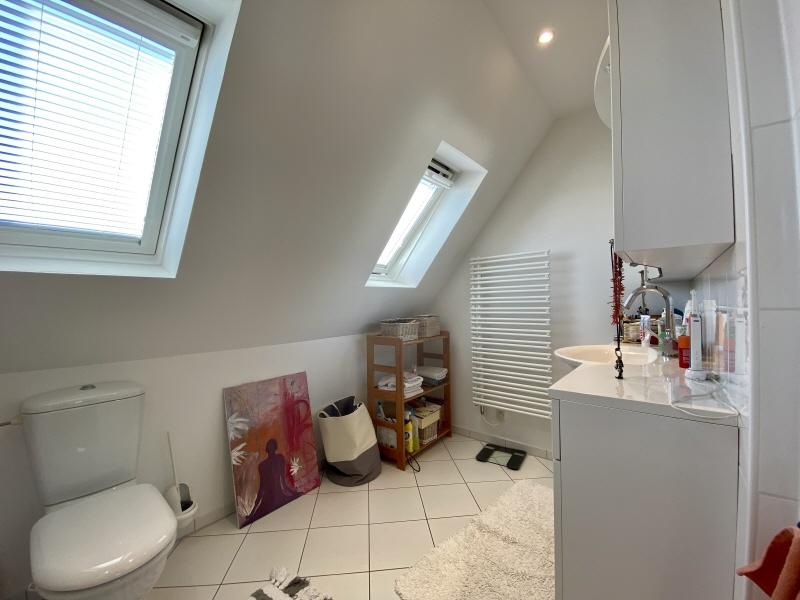 Badezimmer Dachgeschoss Bild 1
