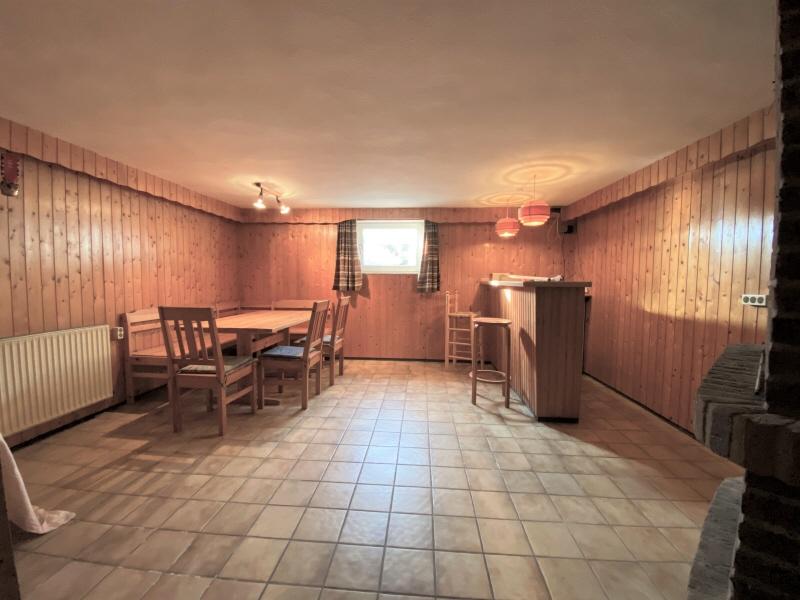 Partyraum im Keller Bild 1