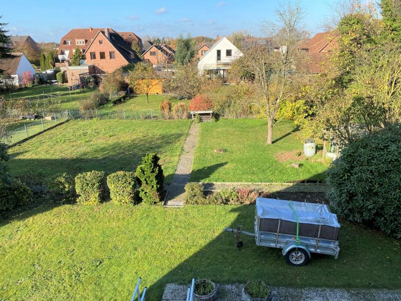 Blick aus dem Dachgeschoss in den Garten
