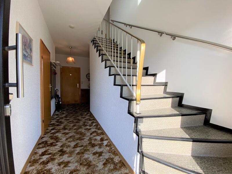 Flur und Treppenaufgang