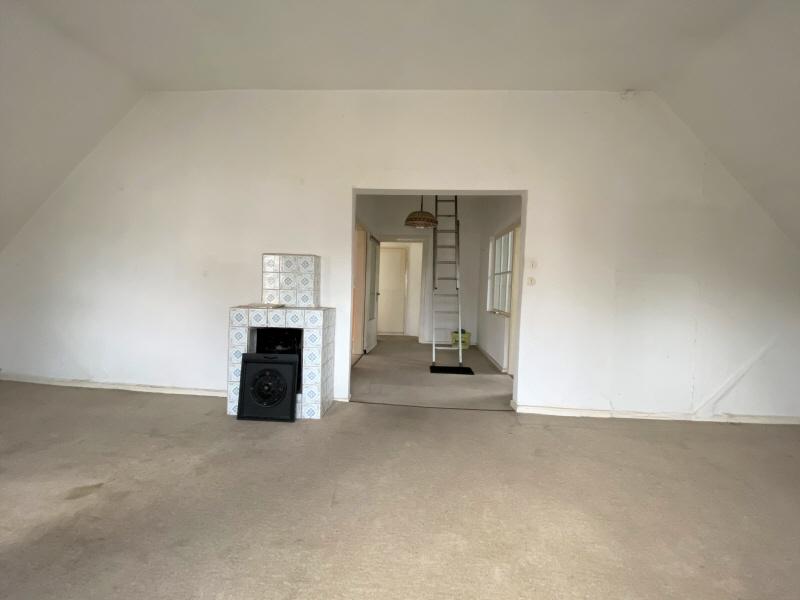 Vorderes Zimmer Obergeschoss Bild 2